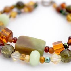 earthy green beaded bracelet